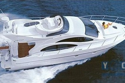 Azimut 42 Flybridge for sale in Italy for €124,000 (£110,188)