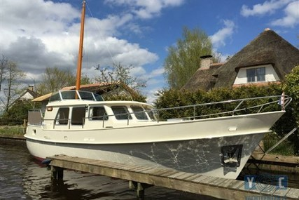 Gillissen Kotter 10.70 for sale in Netherlands for €115,000 (£102,190)