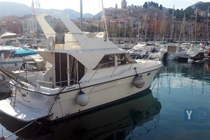 Fairline Corniche 31 Fly for sale in France for €29,000 (£25,770)