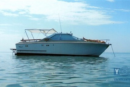 Coronet 24 for sale in Italy for €16,500 (£14,684)
