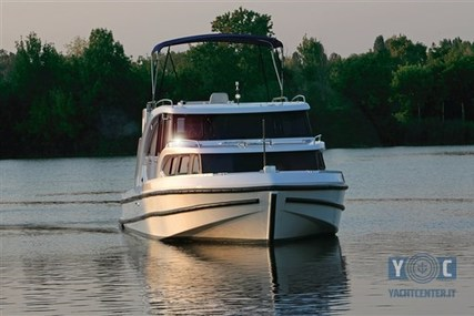 Houseboat House Boat Minuetto 45 for sale in Italy for €260,000 (£232,571)