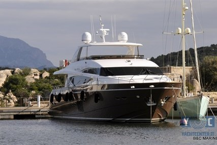 Princess 95 for sale in Italy for €2,900,000 (£2,584,325)
