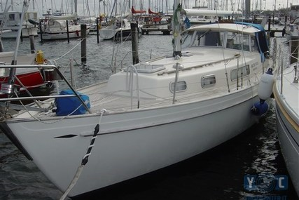 Hallberg-Rassy 35 for sale in Germany for €45,000 (£39,495)