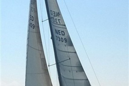 Salona 45 for sale in Netherlands for €149,000 (£129,915)