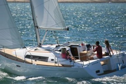 Beneteau Oceanis 37 for sale in Croatia for €82,000 (£73,630)