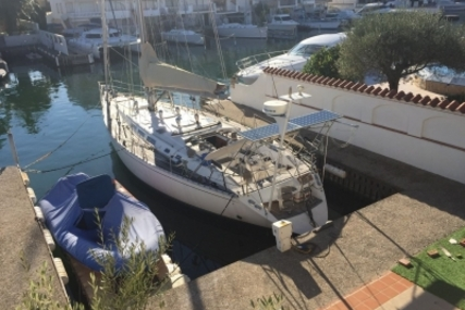 Dufour 54 for sale in Spain for €120,000 (£105,585)