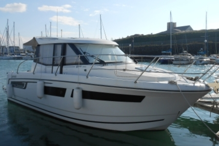 Jeanneau Merry Fisher 855 for sale in France for € 82.500 (£ 71.750)
