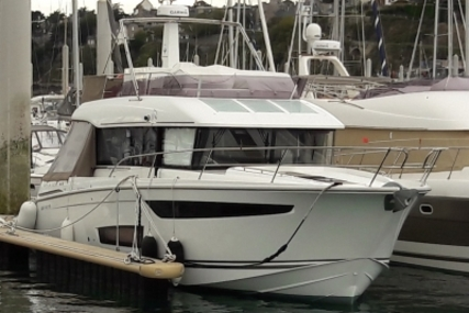 Jeanneau Velasco 43 for sale in France for €395,000 (£346,009)