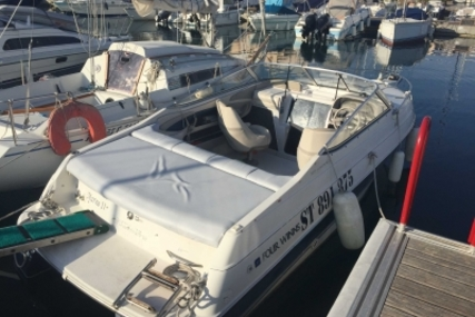 Four Winns Sundowner 225 for sale in France for €10,000 (£8,931)