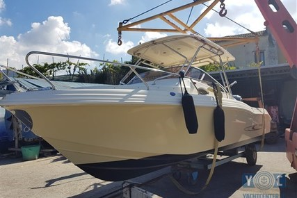Ranieri Cantiere S 25 for sale in Italy for €39,000 (£34,816)