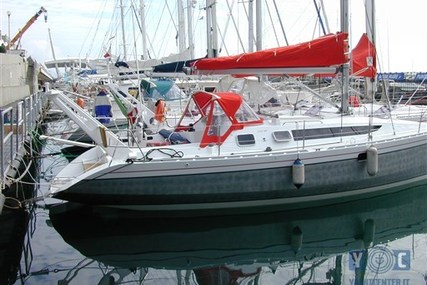 Alubat Ovni 345 for sale in Italy for €130,000 (£116,731)