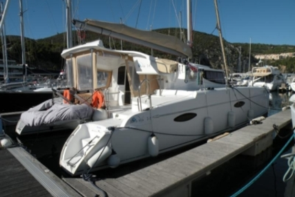 Fountaine Pajot Mahe 36 for sale in Portugal for €192,000 (£169,408)