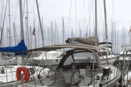 Jeanneau Sun Odyssey 379 for sale in France for €110,000 (£96,399)