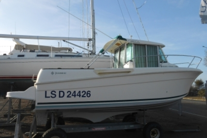 Jeanneau Merry Fisher 655 Marlin for sale in France for €21,000 (£18,542)