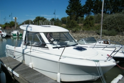 Jeanneau Merry Fisher 645 for sale in France for €23,000 (£20,341)