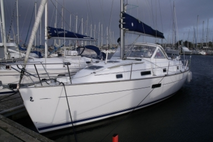 Beneteau Oceanis 36 CC for sale in France for €49,500 (£43,530)