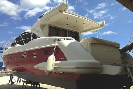 Azimut 43 S for sale in Italy for €265,000 (£233,635)