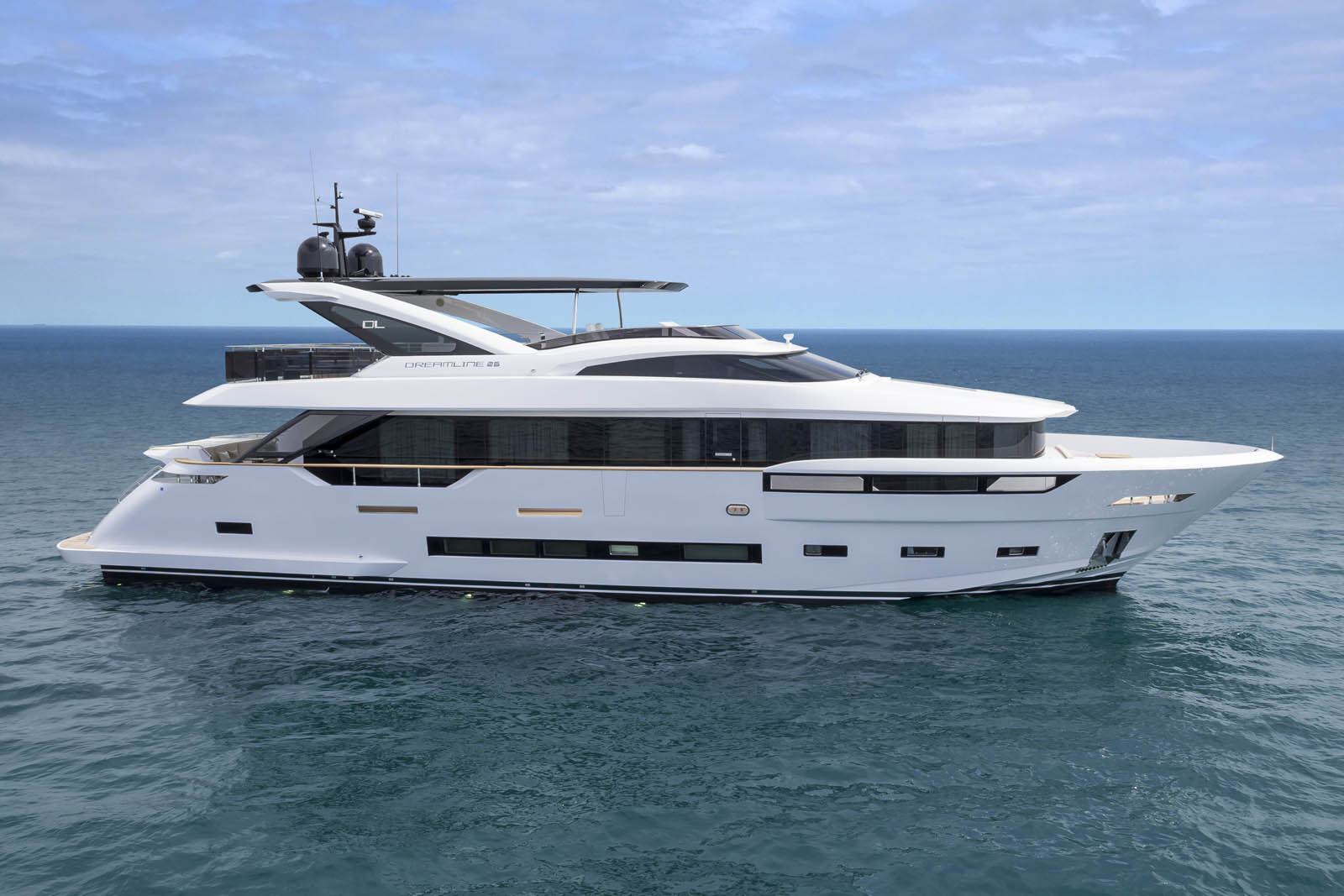 dl yachts dreamline 26 for sale in italy for 5 950 000. Black Bedroom Furniture Sets. Home Design Ideas