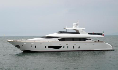 Image of Maiora Fipa  27 for sale in Italy for €2,500,000 (£2,184,360) Italy