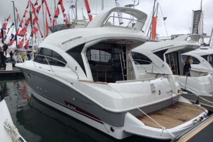 Beneteau Antares 36 for sale in France for €290,000 (£256,499)
