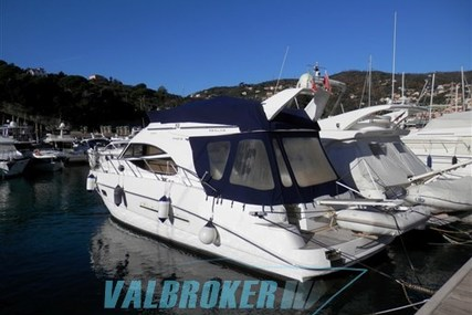 Sealine F 42/5 for sale in Italy for €165,000 (£146,621)