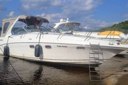 Four Winns 35 for sale in United States of America for $83,300 (£62,182)