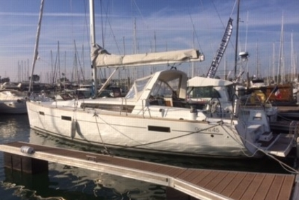 Beneteau Oceanis 45 for sale in France for €156,000 (£137,855)