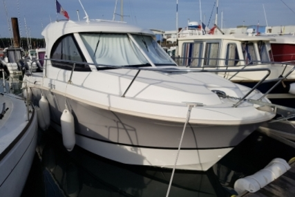 Beneteau Antares 8 for sale in France for €89,900 (£79,057)