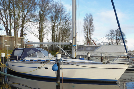 Bavaria 430 Lagoon for sale in Netherlands for €69,500 (£61,566)