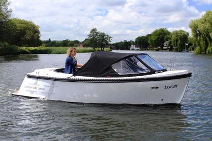 Corsiva 500 Tender for sale in Poland for £12,845