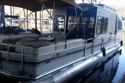 Sun Tracker 32 Party Cruiser Signature Series for sale in United States of America for $25,000 (£18,038)