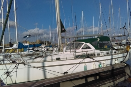 Beneteau Oceanis 40 CC for sale in France for €67,000 (£59,317)