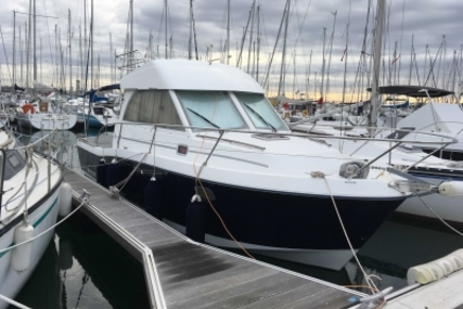 Beneteau Antares 9 for sale in France for €59,000 (£52,428)