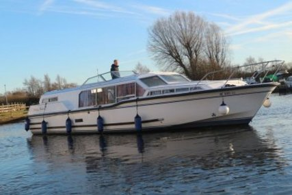 Aquafibre 38 Lowliner for sale in United Kingdom for £37,950