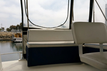 Chris-Craft 350 Catalina for sale in United States of America for $17,500 (£12,478)