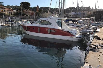 Beneteau flyer for sale in Italy for €150,000 (£133,964)