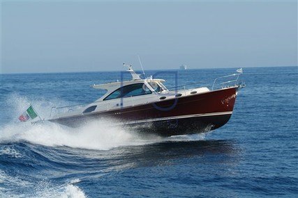 Rose island Lobster 43 for sale in Italy for €310,000 (£275,492)