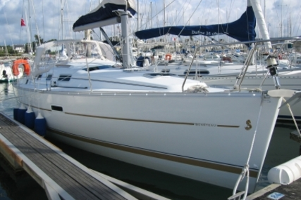 Beneteau Oceanis 323 Clipper for sale in France for €45,000 (£39,495)