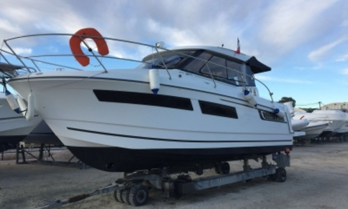 Image of Jeanneau Merry Fisher 855 for sale in France for €87,000 (£77,866) HYERES, France