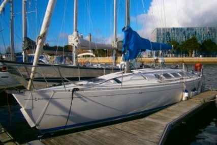 Beneteau First 41S5 for sale in France for €39,000 (£34,905)