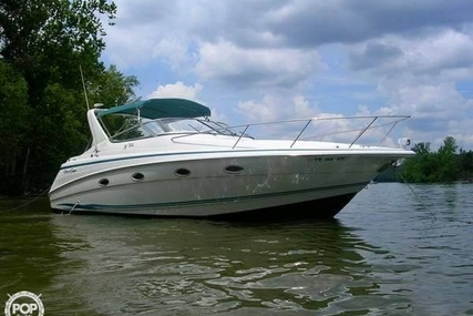 Chris-Craft 32 Crowne for sale in United States of America for $38,900 (£28,067)
