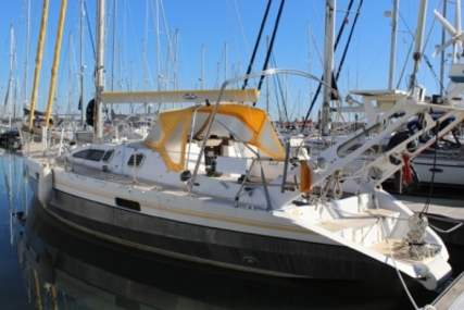 Alubat Ovni 43 for sale in Portugal for €184,000 (£161,708)