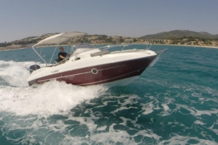 Beneteau Flyer 750 Sundeck for sale in France for €33,000 (£29,098)