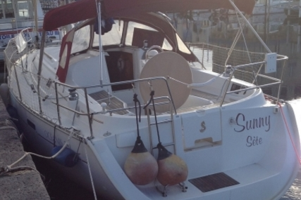 Beneteau Oceanis 331 Clipper Lifting Keel for sale in France for €39,000 (£34,548)