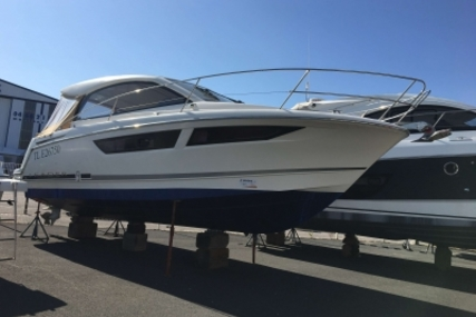 Jeanneau Leader 9 for sale in France for €109,900 (£96,524)