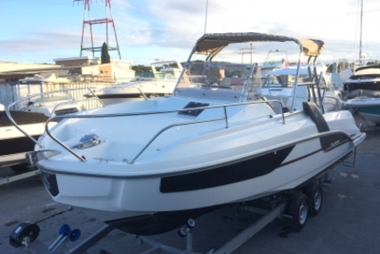 Beneteau Flyer 7.7 Sundeck for sale in France for €64,000 (£56,607)