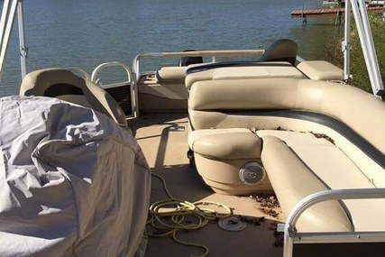 Sun Tracker Fishin' Barge 22 DLX for sale in United States of America for $18,500 (£13,243)