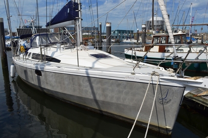 Ovni 365 for sale in Netherlands for €179,000 (£158,319)