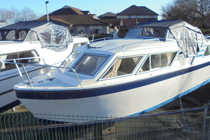 Viking 26 Centre cockpit narrow beam for sale in United Kingdom for £12,995