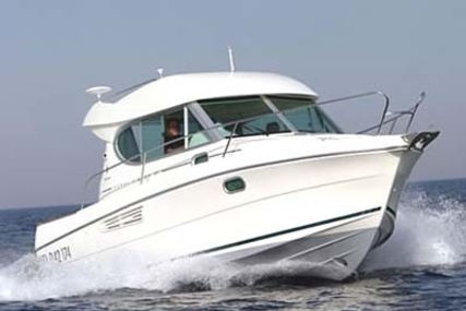 Jeanneau Merry Fisher 805 for sale in France for €39,500 (£34,839)